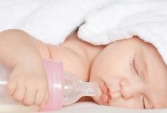 Những điều cần biết về Bình sữa bằng nhựa: PP, PES & PPSU?